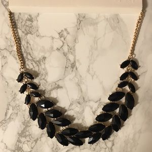 H &M short collar necklace NWT